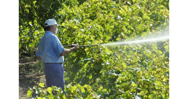 farm_spraying